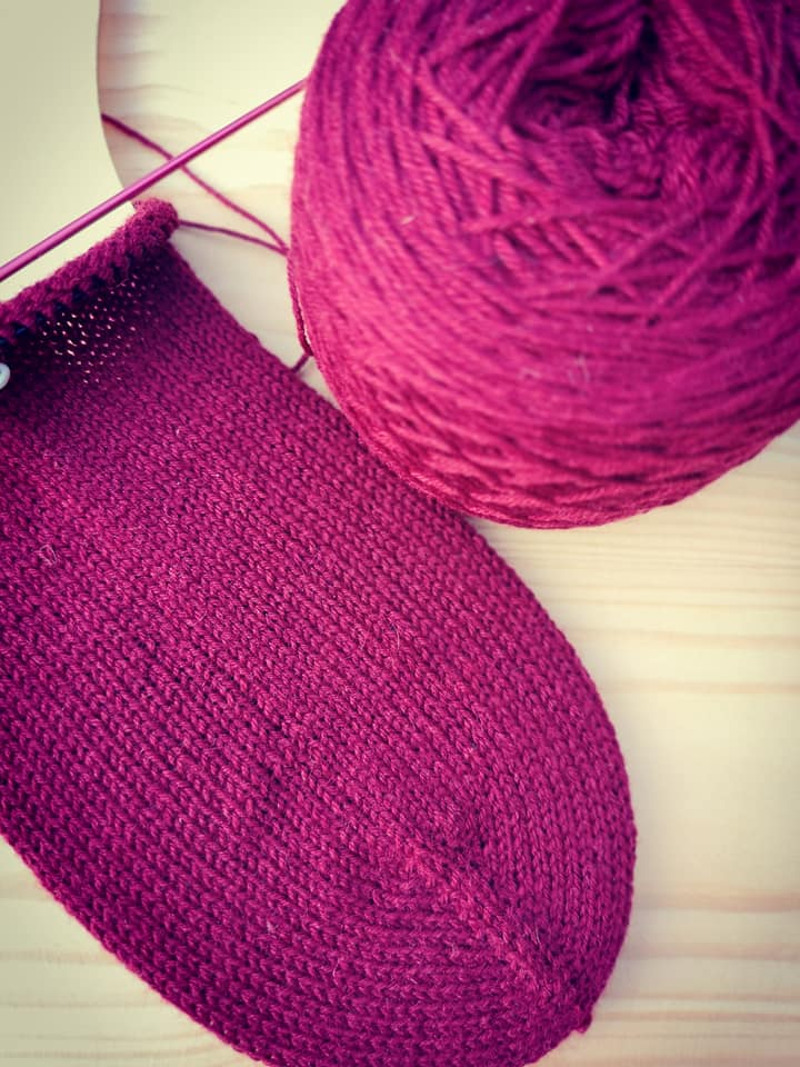 crimson red toe up sock